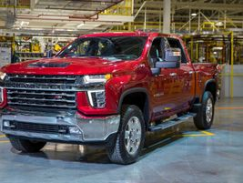 Chevrolet Silverado 2500HD/3500HD     Featuring the standard 6.6L V-8 gas engine with...