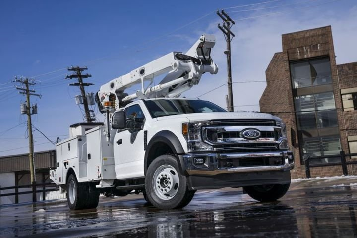 Ford Super Duty Chassis Cab (F-350, F-450, F-550 & F-600) - Photo: Ford