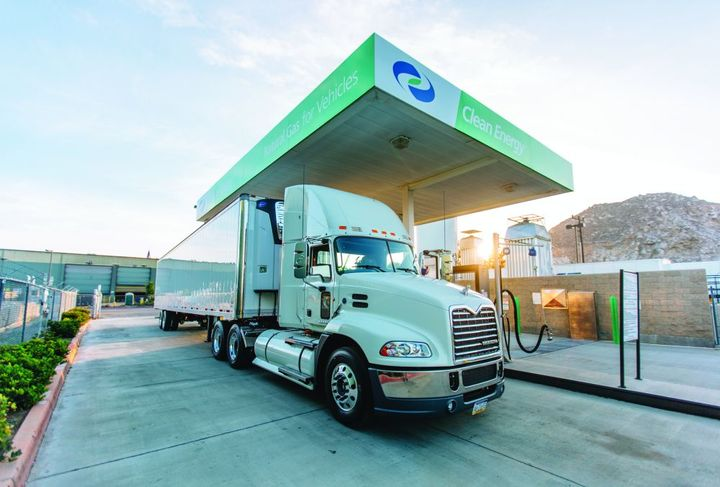 Compressed natural gas (CNG) has become a go-to choice for fleets in the refuse, transit, and increasingly, trucking industries. The CNG refueling experience can be through fast-fill (timing like a traditional diesel or gasoline refueling experience) or slow overnight (called time-fill).  - Photo: Clean Energy