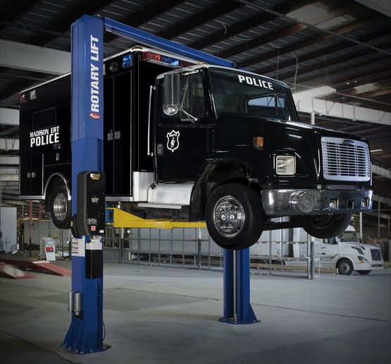 Professional, heavy-duty vehicle lifts areideal for servicing awork truck fleet. - Photo: Rotary Lift