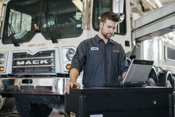 In addition to connecting a fleet with service networks and roadside assistance, maintenance management programs offer purchase order data, authorization controls, and more. - Photo: Mack Trucks