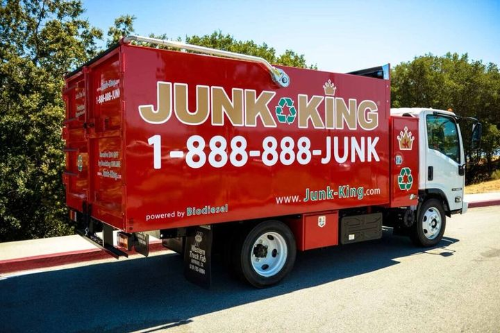 The company has acombined total of 430light- and medium-duty trucks throughout theirmultiple locations. - Photo: Junk King