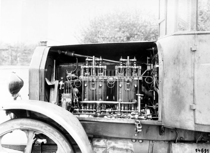 Benz Diesel Engine OB 2 - Photo:Daimler Truck AG