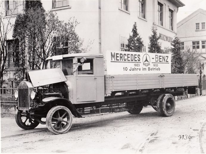 Truck Benz 5 K 3 with Diesel Engine OB 2 – 10 years in Service - Photo:Daimler Truck AG