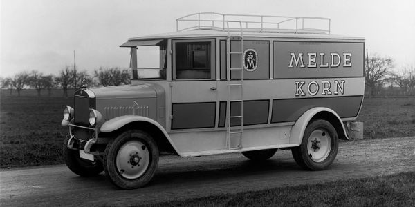 Mercedes-Benz L5 Truck with Engine OM5 since 1927