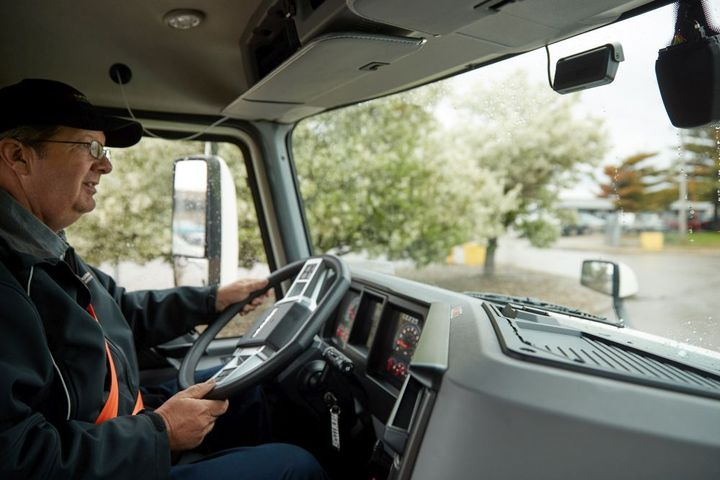 A video telematics solution can sift through thousands of hours of visual data and identify the few minutes of unsafe behavior, such as mobile phone usage or tailgating. - Photo: Samsara
