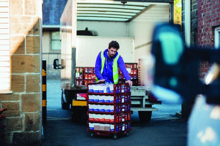 The labor shortage is a big challenge when it comes to delivery fleets and meeting on-time delivery commitments. - photo: Gettyimages.com/SolStock