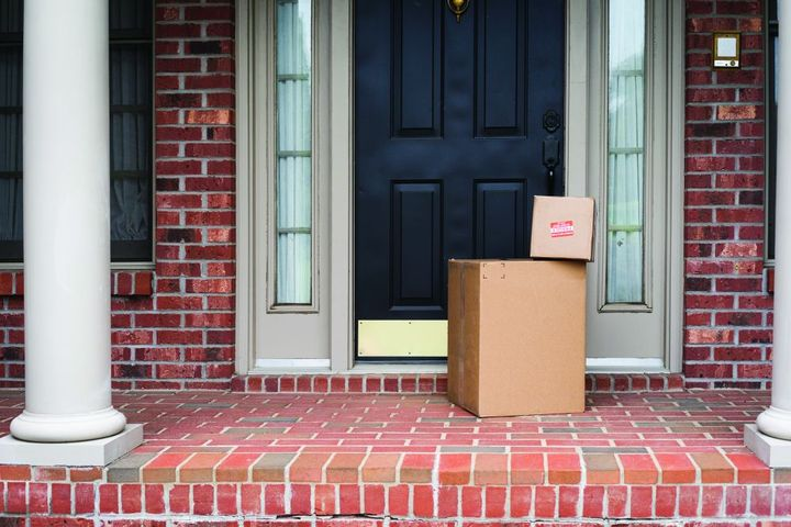 Drivers are anxious about meeting delivery windows, and back-office teams are scrambling to maintain visibility from miles away. - Photo: Gettyimages.com/anderluster
