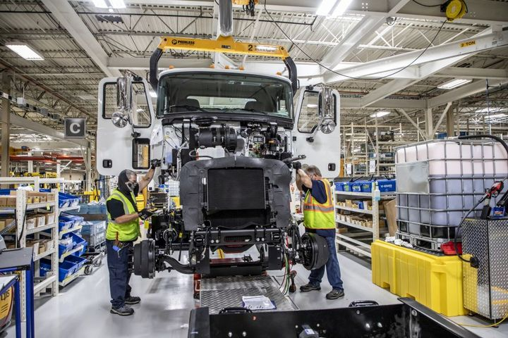With the first MD Series announcement in January 2020, Mack says its dealer network largely drove the decision to return to medium-duty to meet the needs of mixed truck fleets. - Photo: Mack Trucks
