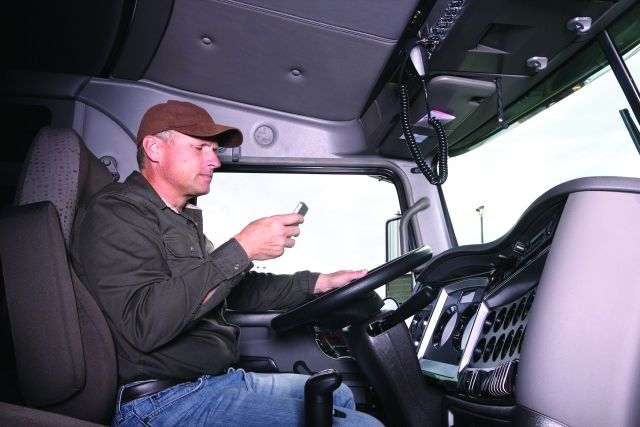 A fleet worried about distracted driving should implement a program that targets those behaviors. (Photo: Getty Images)