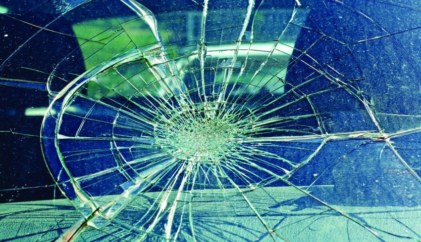 Windshields: Repair or Replace?