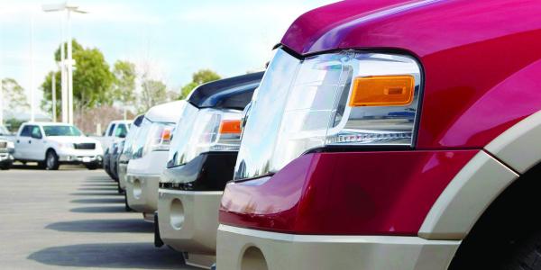 由于季节性操作参数,卡车车队经常看到需要添加或删除车辆