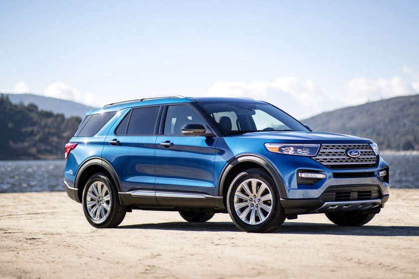 The Explorer Hybrid's four-wheel-drive version also delivers anestimated 26 mpg highway and 23...