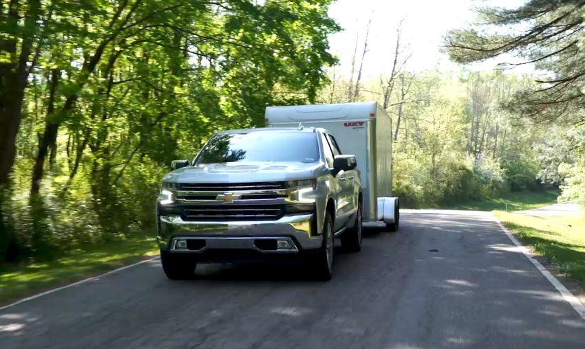 Chevrolet Silverado Makes Towing Easier & Safer