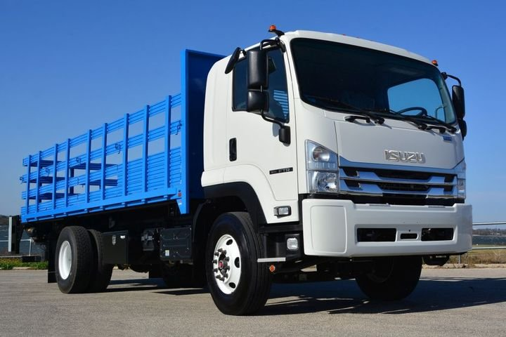 Being able to stop safely and effectively is critical for fleet drivers operating medium-duty trucks. The choice of hydraulic or air brakes requires looking at a number of complex operational factors.
