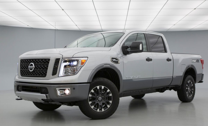 Titan XD has an available maximum payload capacity of 2,990 pounds (when properly equipped). The Crew Cab model features a towing capacity up to 11,960 pounds.