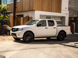 The 2019 Nissan Frontier features a choice of a 4.0L DOHC V-6 engine, rated at 261 hp and 281...