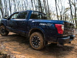 The 2019 Nissan Titan features Single Cab, King Cab, and Crew Cab body dimensions, 4x2 or 4x4...