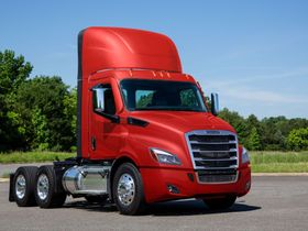 Pre-Owned Purchase Program for Freightliner Cascadia Trucks