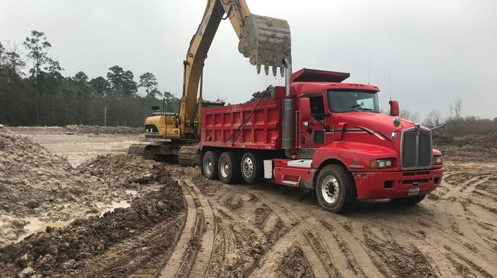 Fleet owners can access the location of all employed and 3rd-party haulers, in real-time and on past jobs, without additional GPS tracking equipment. - Photo: TRUX