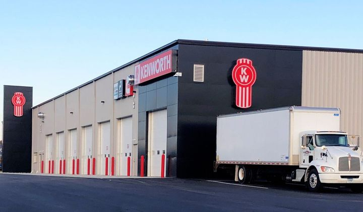 Rihm Kenworth – Mankato features a 10,000 square-foot service department, 12 service bays, a wash bay, and a 6,800 square-foot parts department. - Photo: Kenworth