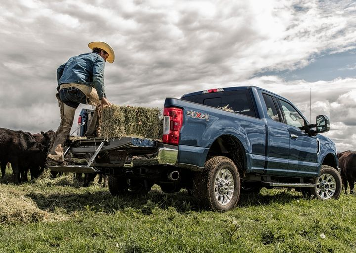 An unintended tailgate opening may allow unrestrained cargo to fall out of the truck bed and become a road hazard, increasing the risk of a crash. - Photo: Ford
