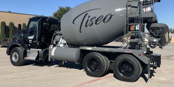 Tiseo's latest order of T880s features the PACCAR MX-11 engine, rated at 400 hp.