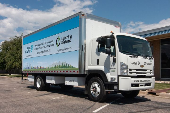 The zero-emission commercial trucks produced by the partnership will be powered by an integrated hybrid-electric drivetrain consisting of Plug Power's ProGen fuel cell engines coupled with Lightning Systems' electric vehicle drivetrain and batteries. - Photo: Lightning Systems