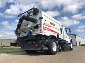 Federal Signal Offers Tips for Equipment Operators' Sanitizing Efforts