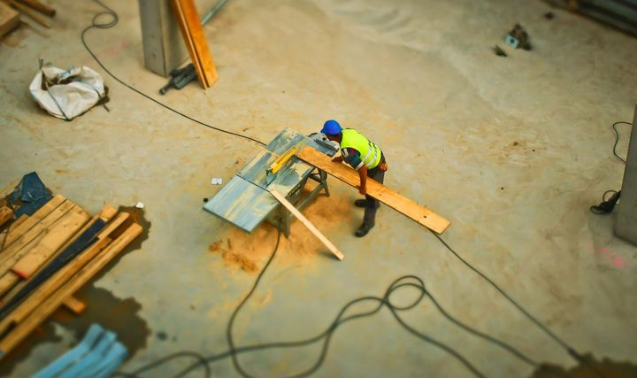 Ensuring employees can maintain proper social distancing is key to keeping construction sites safe during the pandemic.  - Photo: Pexels