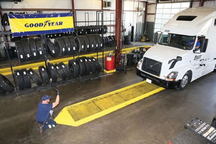 "The ""zero contact"" service includes enhanced preventive measures, including a contact-free key exchange and payment by phone. - Photo: Goodyear"