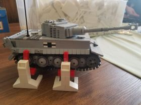Lego Engineer Creates Stertil-Koni Lifts