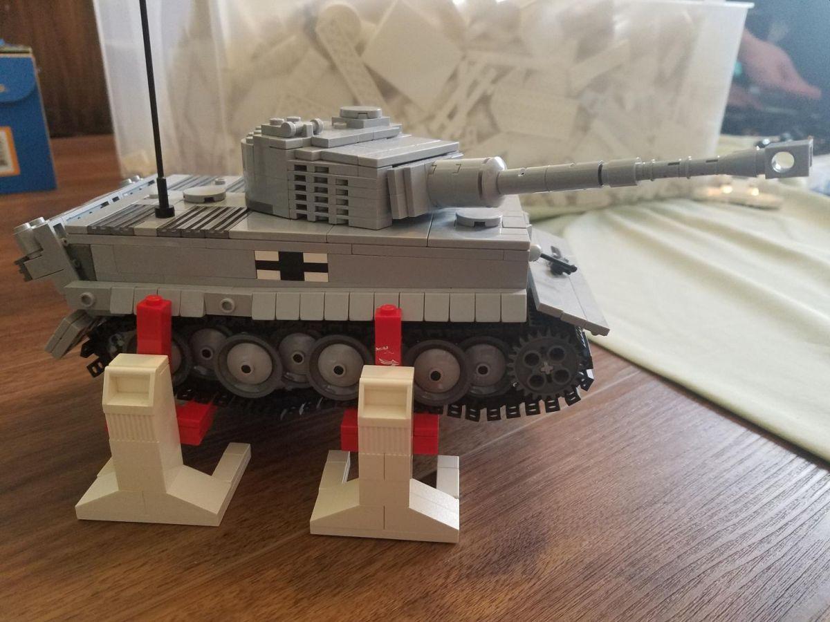 Lego Engineer Creates Stertil-Koni Lifts