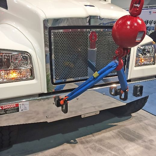 The new option allows the hood to be opened in applications where equipment is mounted to the front of the T880S. - Photo: Kenworth