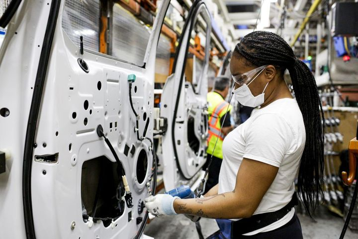 To reopen, Fordimplemented robust safety and care measures globally to help support a safe and healthy environment for the company's workforce. - Photo: Ford Motor Co.