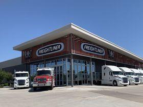 SelecTrucks Opens New Center in Phoenix