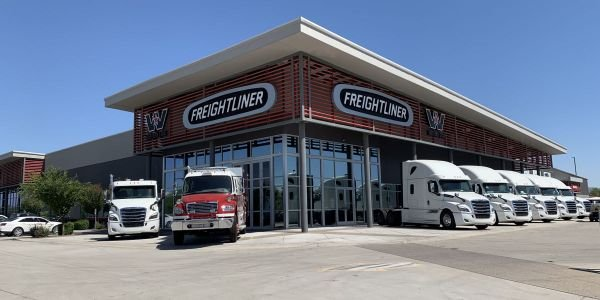 The Phoenix location is SelecTrucks 28th location in its retail network.