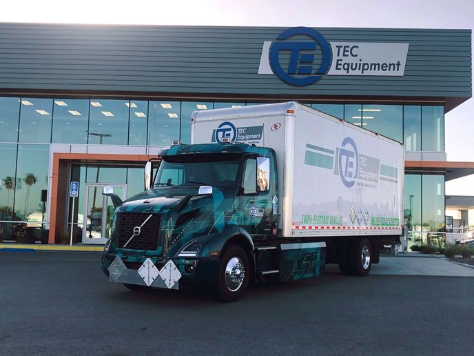 First pilot Volvo VNR Electric deployed for parts distribution at TEC Fontana dealership. - Photo: Volvo Trucks