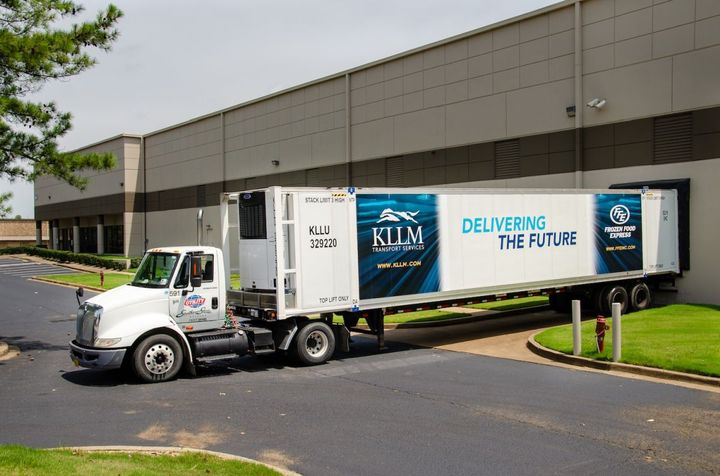 KLLM's Vector 1550 systems were installed by Southern States Utility Trailer through a turn-key program in which teams completed more than 100 installations a month at a Memphis, Tenn., rail yard. - Photo: Carrier Transicold