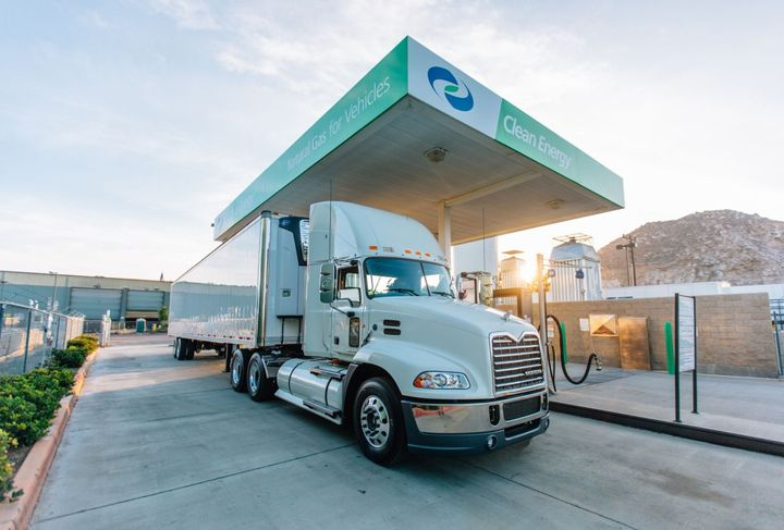 Truck operators participating in the program, which supports the ports' Clean Trucks Program and Clean Air Action Plan, agree to fuel up at the Clean Energy stations supplied with Chevron RNG. - Photo: Clean Energy