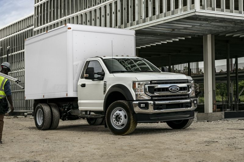 Lightning Systems Launches All-Electric Ford F-550