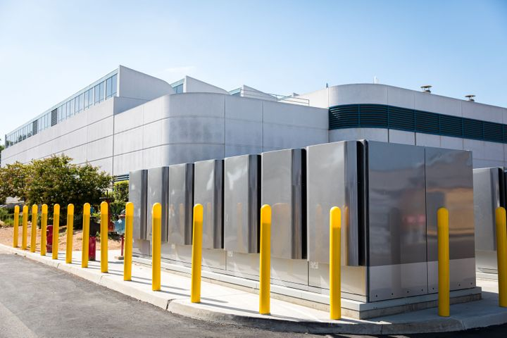 To produce electricity, Bloom Energy's fuel cells could use natural gas, renewable natural gas, or hydrogen. - Photo: SoCalGas