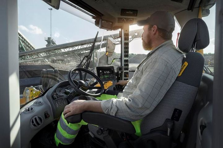 Load Assist apps are operated via the Volvo Co-Pilot — an in-cab display with a 10-inch, high-resolution touch screen. - Photo: Volvo CE