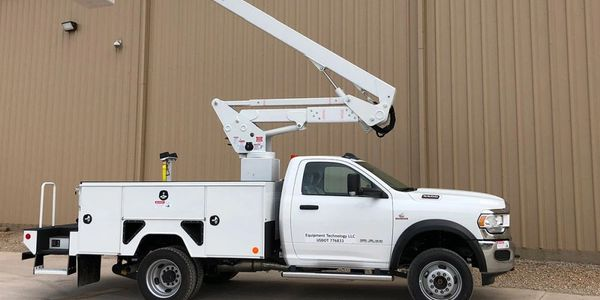 The2020 ETI ETC 37 IH is an aerial lift truck on the 2020 Ram 5500 with the 6.7L diesel.