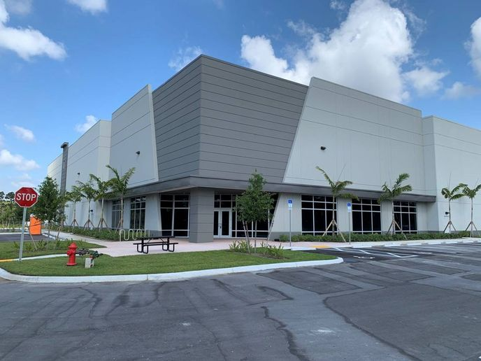 The new 35,000 square foot facility in Palm Beach expands Strobes-R-Us presence to second facility in the state. - Photo: Shyft