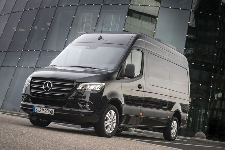 Mercedes-Benz Vans  recently introduced a new 2.0L four-cylinder diesel engine for the Sprinter Cargo Van, the automaker announced. - Photo: Mercedes-Benz