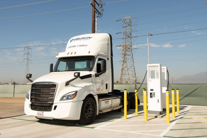 Freightliner's CX Fleet is comprised of eight early series development trucks meant to test the integration of battery-electric vehicles into large-scale fleet operations. - Photo: Freightliner