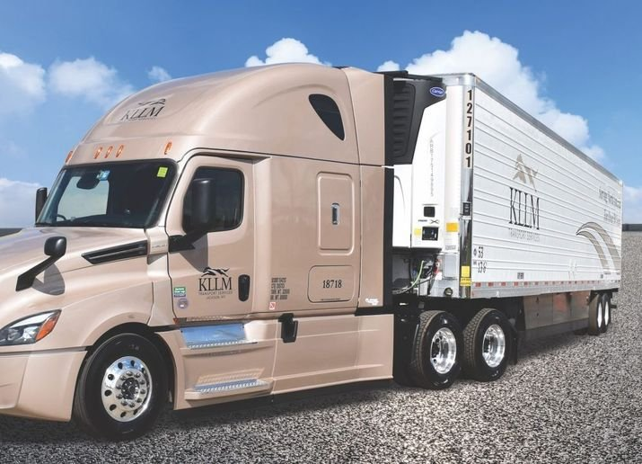 KLLM's newest 1,400 53-foot insulated trailers are refrigerated by Carrier Transicold units (such as the X4 7500 unit pictured). Each refrigeration system is equipped with Carrier Transicold's eSolutions telematics platform and TRU-Mount solar charging system. - Photo: KLLM