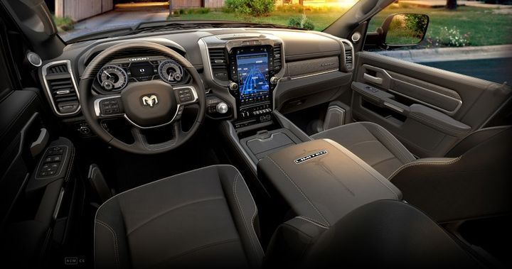 Ram Heavy Duty features Uconnect 4C NAV with a 12-inch reconfigurable touchscreen. - Photo: Ram Truck