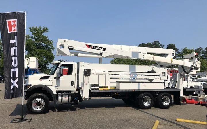 The TL Series of aerial devices features three new telescopic and material handling models designed for transmission work. - Photo: Terex